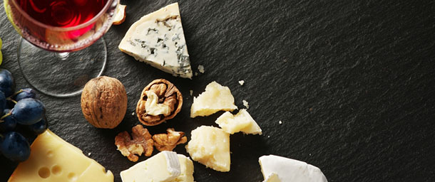 How to Plan the Perfect Wine and Cheese Party